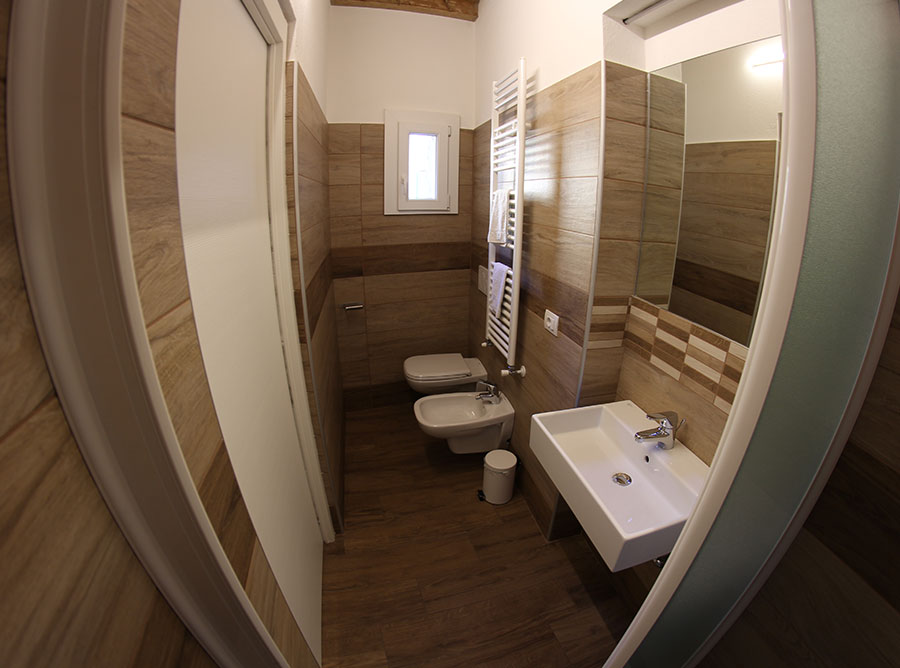Room F - Bathroom